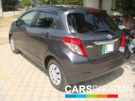 2014, Brand New, Grey Metallic Toyota Vitz (Petrol ) For Sale, Lahore, By: Adnan Fayyaz  (Private Seller)