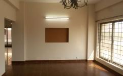 2250 Sq Ft 3 Bedrooms Great Location Apartment For Sale