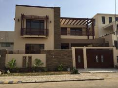 300 Sq Yards 4 Bedrooms Excellent Location House For Sale
