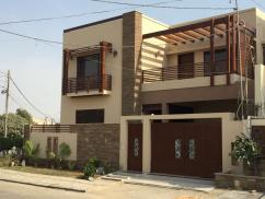 300 Sq Yards 4 Bedrooms Awesome Location House For Sale