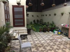 400 Sq Yards 3 Bedrooma Ideal Location House For Sale