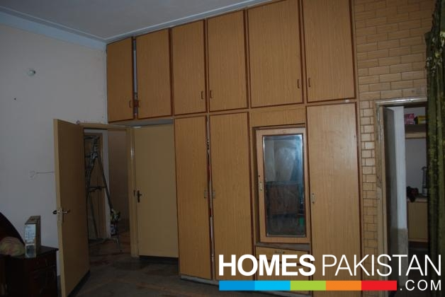 Corner 3.5 Marla 2 Bedroom Excellent Condition Double Storey House For ...