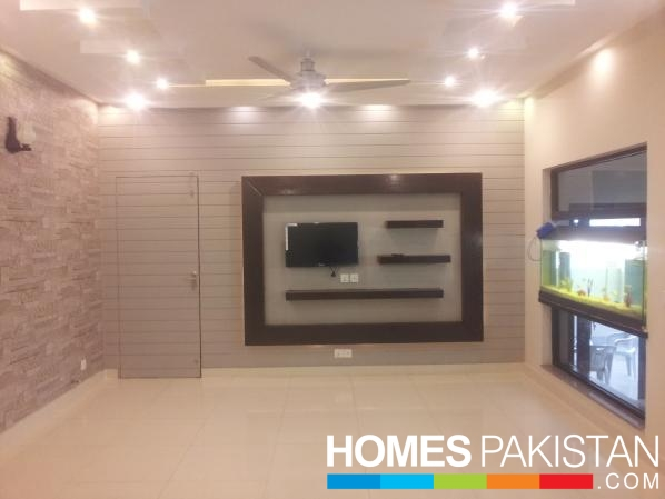Marla 5 bedroom s house for sale dha phase 4 for Balcony designs in pakistan