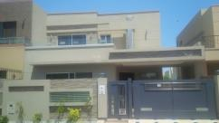 Luxury 1 Kanal 6 Bedrooms Well Maintained House For Rent