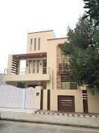 10 Marla 5 Bedrooms Attractive Location House For Sale
