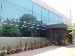 7000 Sq Ft Ideal Location Office For Rent