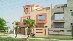10 Marla 4 Bedrooms Good Location Double Story House For Sale