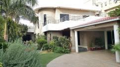28 Marla 5 Bedrooms Superb Location House For Sale