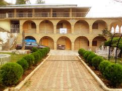 Excellent Location 5 Kanal 3 Storey Furnished Guest House For Rent