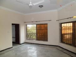 1 Kanal 6 Bedrooms Double Storey House For Sale in Phase 3