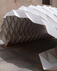Cardboard Pavilion. Costruire Col Cartone