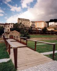 Piscinas climatizadas y Parque del Molin