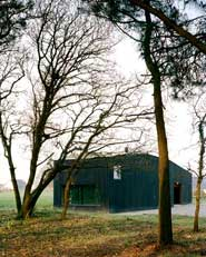 Oyster farm hangar and temporary dwelling