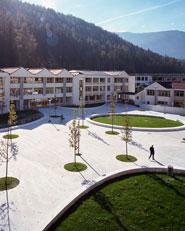 Sistemazione aree scolastiche a Brunico