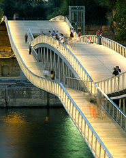Simone de Beauvoir footbridge