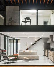 House 7X37