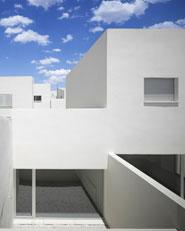 43 public dwelling in Almuradiel