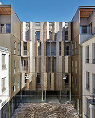 Social-housing units and offices in «Le Marais»