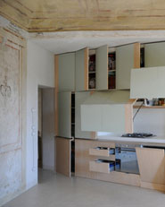 Restauro di un piccolo appartamento di origine conventuale