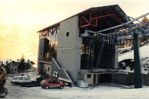 paolo merlo stazioni di monte e valle della nuova telecabina. Black Bedroom Furniture Sets. Home Design Ideas