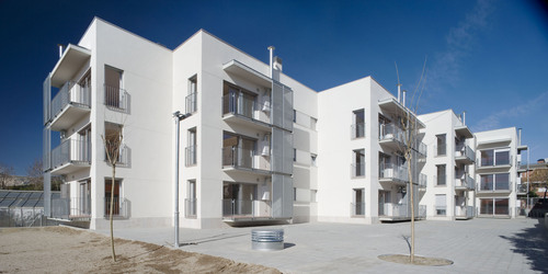 Jordi Farrando — 18 dwellings in Begues
