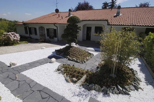 Mario frau giardino giapponese ordine degli architetti for Pietre bianche giardino