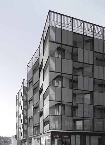 OAB – Ferrater & Asociados, Lucia Ferrater, Xavier Martí Galí — Edificio en Plaza Lesseps