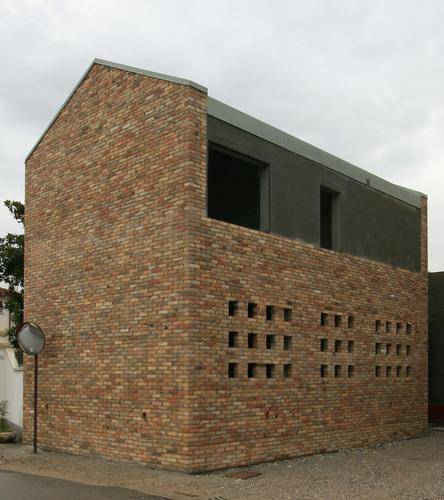 Piergiorgio pegolo casa per emma ordine degli for Piani casa tetto del fienile