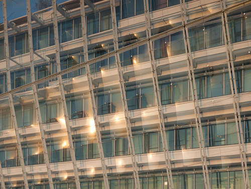 65_001_unilever_075_xh-detail-of-foil-facade-west-side-1_large