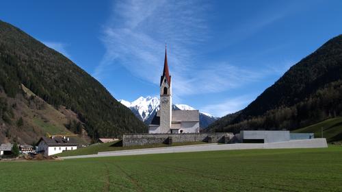 EM2 Architetti - Egger I Mahlknecht I Mutschlechner — Ampliamento del cimitero di Lutago