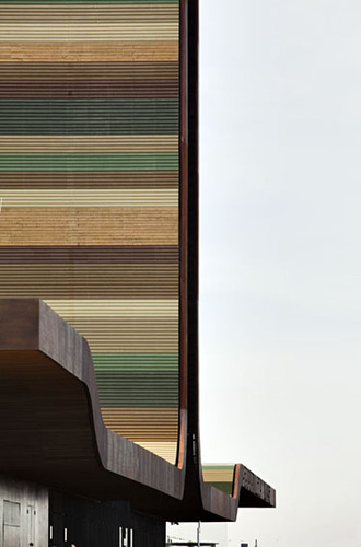 B720_architects_lleida_airport_220110_0012_large