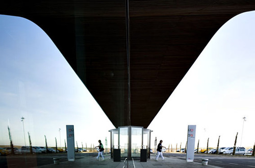 B720_architects_lleida_airport_220110_0447_large