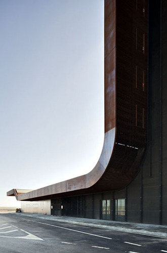 B720_architects_lleida_airport_220110_1498_large