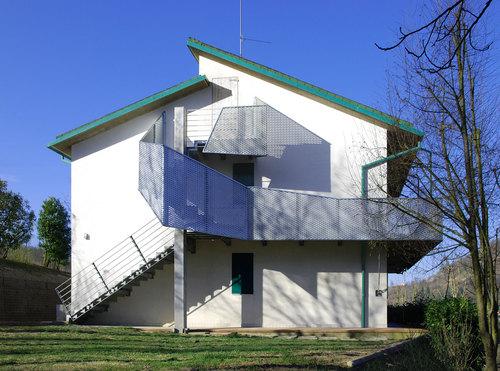 Raumplan architetti scala esterna di una casa d - Case con scale esterne ...
