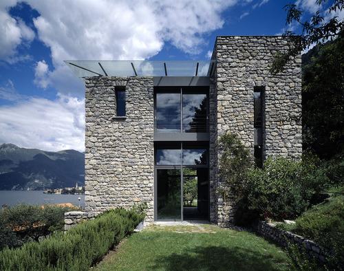 Arturo montanelli la casa di pietra divisare by for Casa sul lago a 2 piani