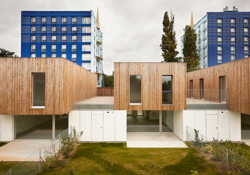 tank architectes 9 maisons lens divisare by europaconcorsi. Black Bedroom Furniture Sets. Home Design Ideas