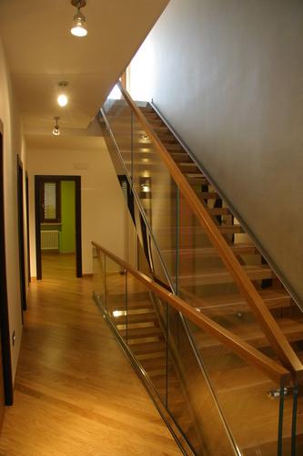 Francesco clori architetto casa su due livelli for Aggiunte a casa su due livelli