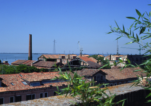 CZstudio associati , Ippolito Pizzetti, Daniela Moderini — Giardini pensili a Venezia