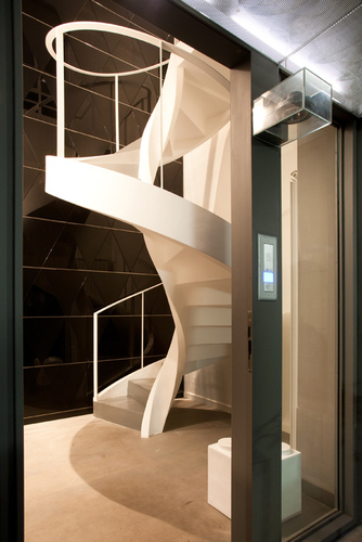 Studio architetti associati bb loft divisare by for Suite prefabbricata