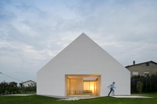 Aires mateus associados house in leiria divisare by for House in leiria aires mateus