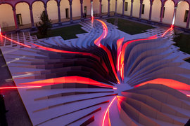 Zaha_hadid_2011_08_normal
