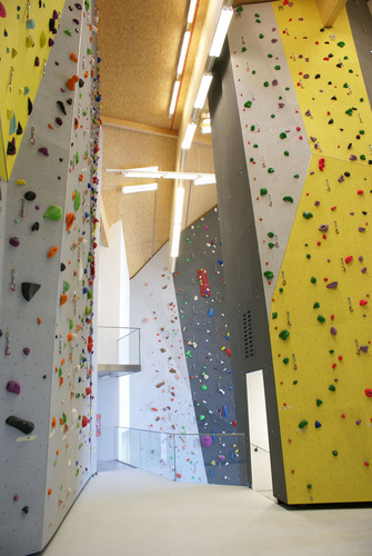 Climbing_hall_9_copy_low_large