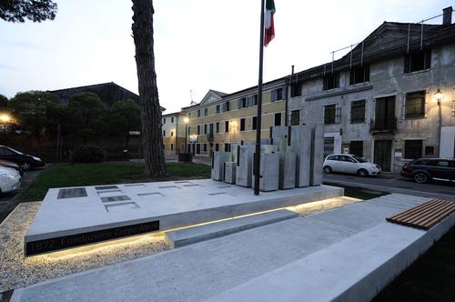 Paolo Didonè, Devvy Comacchio — MONUMENTO ALPINI