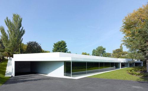 PIERRE-ALAIN DUPRAZ ARCHITECTE — Agrandissement d'une villa à Vandoeuvres, Genève