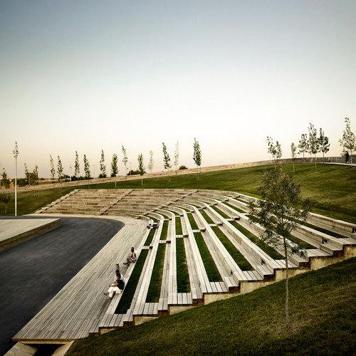 Batlle i Roig Arquitectes — Linear park on the Riera De Sant Climent. Viladecans