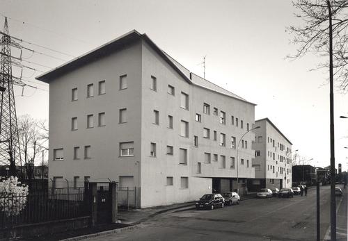 Guidarini & Salvadeo architetti associati — Intervento di architettura residenziale pubblica a Pioltello (MI). 38 alloggi ALER