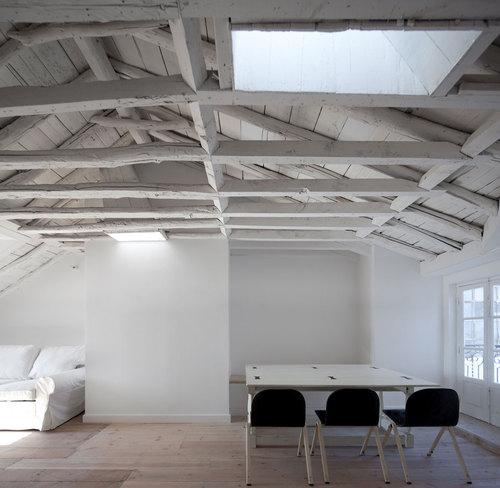José Adrião Arquitectos — Baixa House