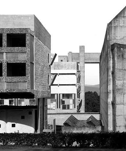 Couvent_saint_maria_de_la_tourette__9__large