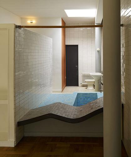 Le corbusier villa savoye divisare by europaconcorsi - Salle de bain villa savoye ...