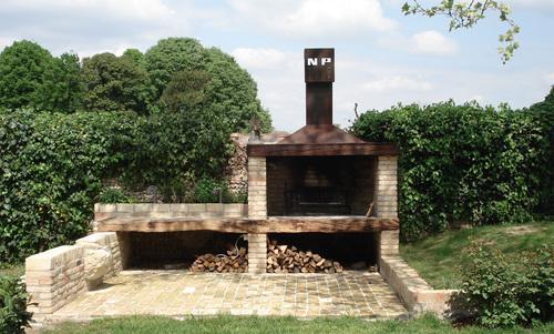 Aut caminetto per esterni outdoor fireplace ordine - Caminetto per esterno ...